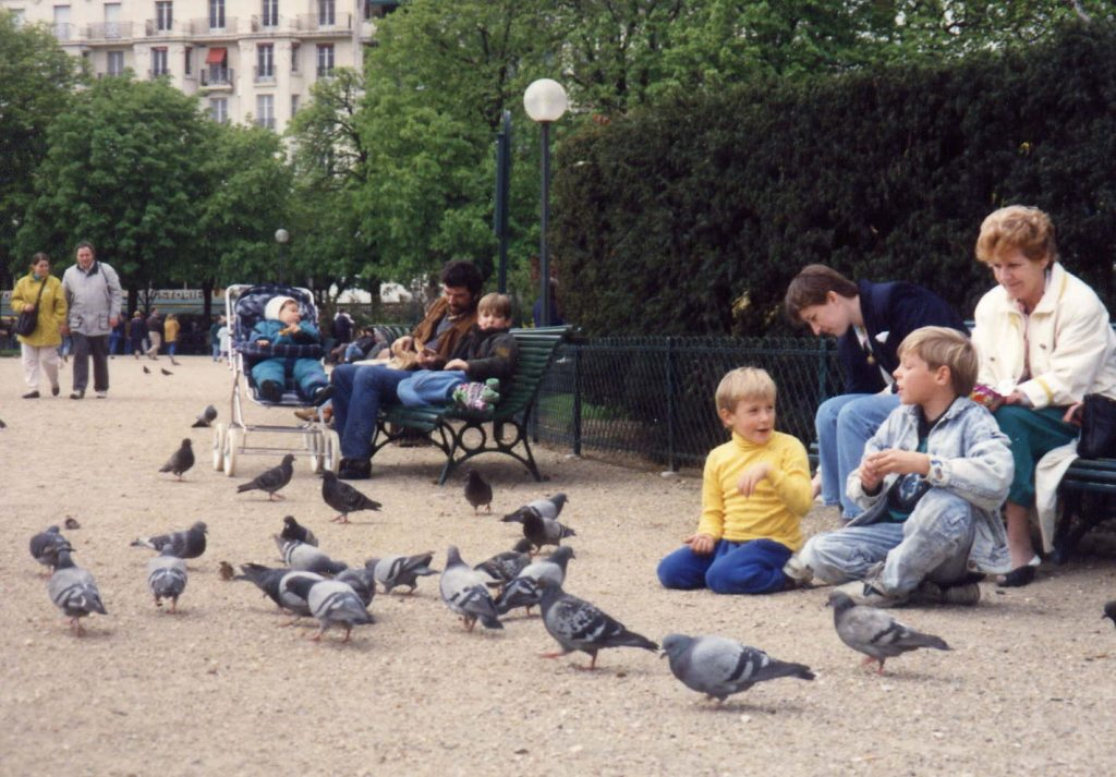 My boys playing with the filthy pigeons in Venice in the 80s. Did I worry about all the diseases these birds can carry? Good or bad - the answer is: heck no!